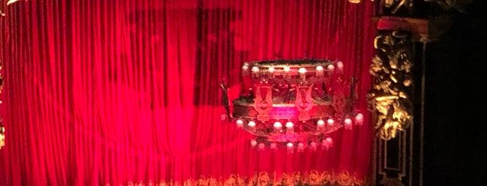 O Fantasma Da Opera is one of Naiara : понравившиеся места.