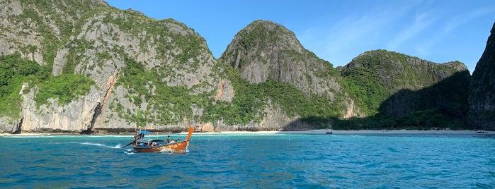 Maya Bay Island, Andaman Sea is one of Orte, die Sergey gefallen.