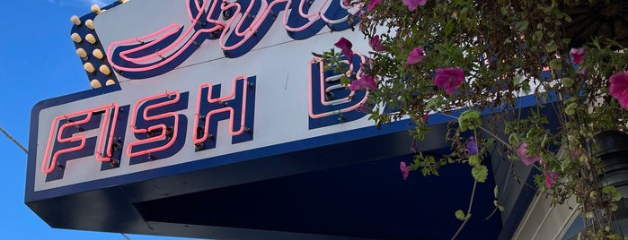 Ivar's Fish Bar is one of Seattle '21.