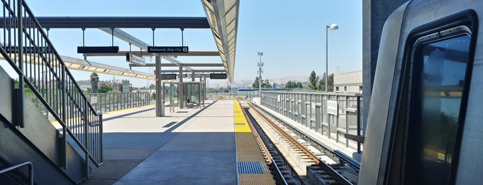 Warm Springs/South Fremont BART Station is one of Booieさんのお気に入りスポット.