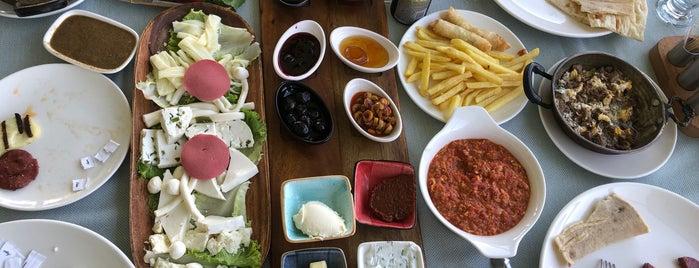 Büyükşehir Belediyesi Sosyal Tesisleri Restaurant is one of Van'da Kahvaltı.