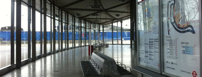 North Greenwich Bus Station is one of Free toilets in London.
