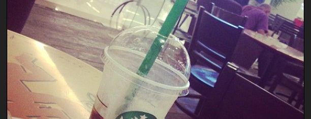 Starbucks is one of Locais curtidos por Yodpha.
