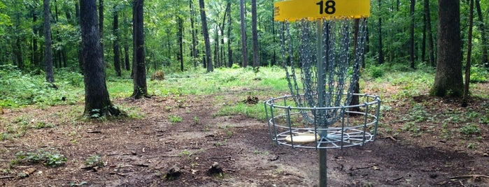 Dry Creek Disc Golf Course is one of Tempat yang Disukai Lulu.