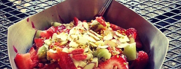 Vitality Bowls is one of Andres 님이 좋아한 장소.