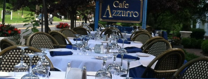 Cafe Azzuro is one of Posti salvati di Lizzie.