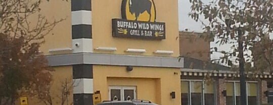 Buffalo Wild Wings is one of Orte, die Tanya gefallen.