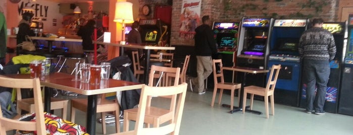 Macfly Bar & Arcade is one of quebec.