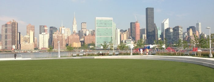 Hunter's Point South Park is one of best of lic.