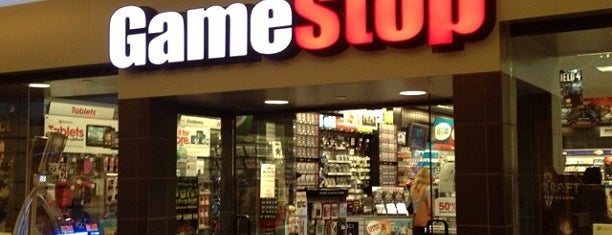 Gamestop Kahala Mall is one of Locais curtidos por Jason.