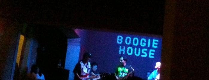 Boogie House is one of Rock n' blues.