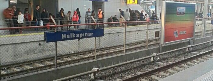 Halkapınar Metro İstasyonu is one of Lieux qui ont plu à Mesut.