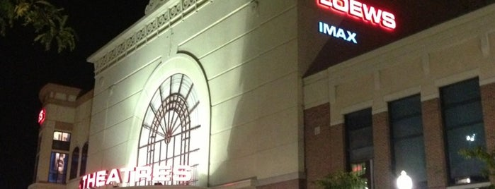 AMC Streets of Woodfield 20 is one of Favorite Arts & Entertainment.