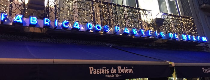 Fábrica dos Pastéis de Belém is one of Denisさんのお気に入りスポット.