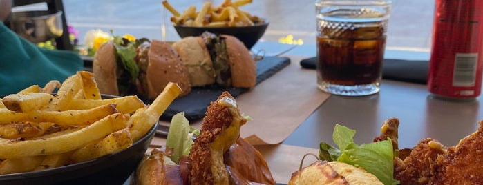 RIB - Beef & Wine is one of Lissabon.