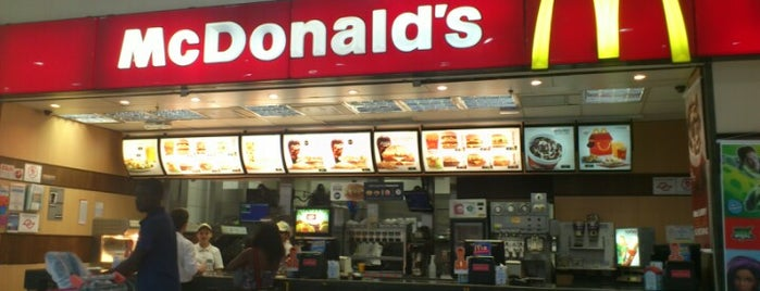 McDonald's is one of สถานที่ที่ Káren ถูกใจ.