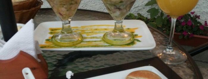 Emporio & Grill is one of Locais curtidos por Rodrigo.