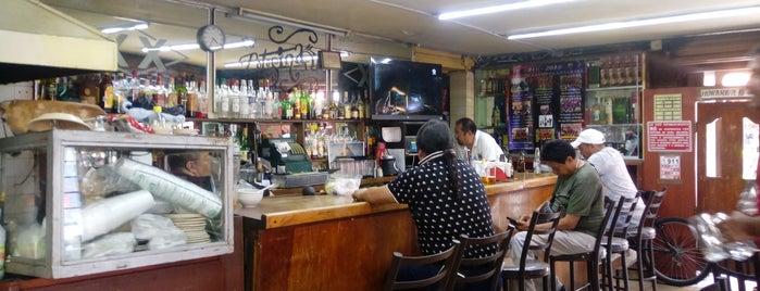 Cantina La Potosina is one of Locais curtidos por Gil.