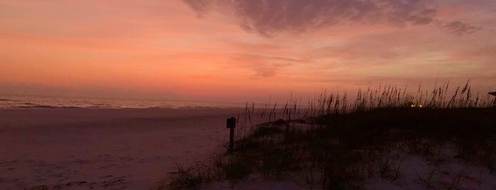 Orange Beach/Gulf Shores City Limts is one of Jorge'nin Beğendiği Mekanlar.