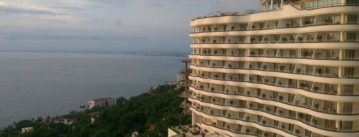 Grand Miramar Resort & Spa is one of Orte, die Kim gefallen.