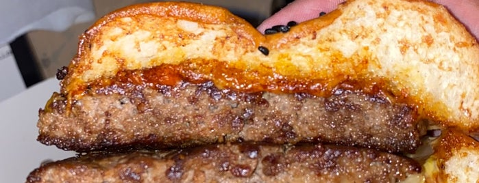 So Burger is one of Gespeicherte Orte von Queen.