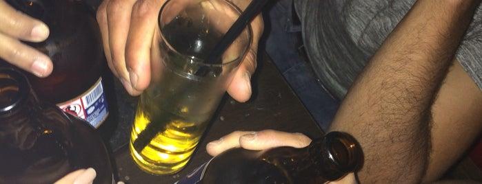 The Shot Pub is one of Mürvet 님이 좋아한 장소.