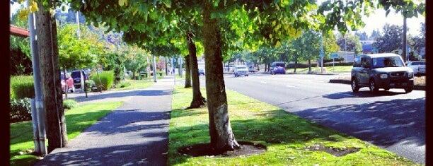 Powellhurst-Gilbert Neighborhood is one of Neighborhoods of Portland.