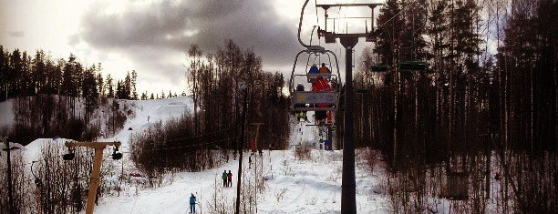 Красное озеро is one of Skii&Snowboard resorts in St.Petersburg.