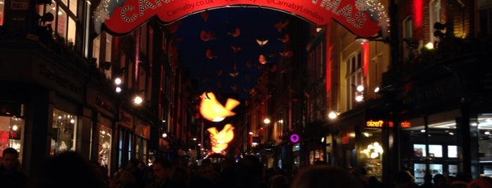 Carnaby Street is one of Wher to go in London.