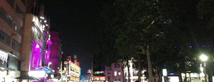 Leicester Square is one of Wher to go in London.