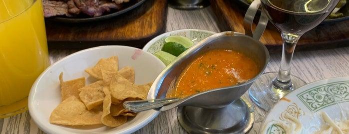 mesa mexicana is one of สถานที่ที่ Jann ถูกใจ.