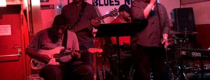 Blue Chicago is one of Orte, die Felicity gefallen.