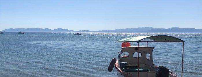 Badavut Ayaz Beach is one of Özge'nin Beğendiği Mekanlar.