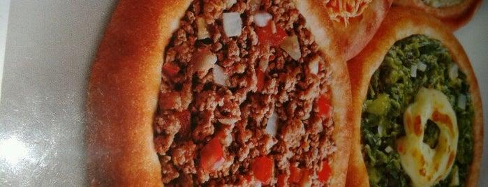 Habib's is one of Locais curtidos por Felipe.