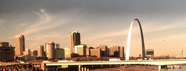 Gateway Arch is one of 2017 City Guide: Saint Louis.