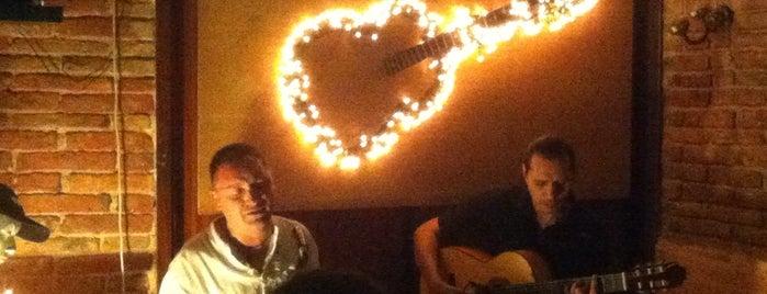 XXIII guitarras is one of Bars.