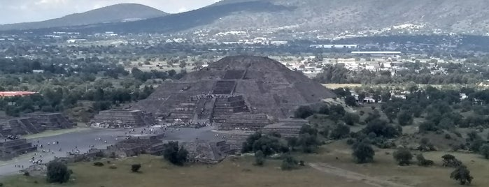 Zona Arqueológica de Teotihuacán is one of Locais curtidos por Julius.