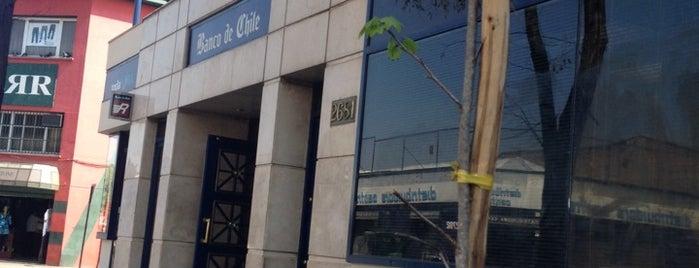 Banco de Chile is one of Tempat yang Disukai Christian.