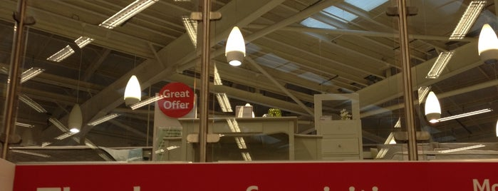 Tesco Homeplus is one of Phat's Liked Places.