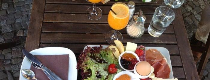 Misirlou Bar is one of Berlin Best: Cafes, breakfast, brunch.