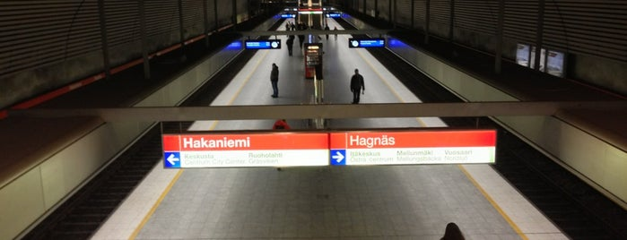 Metro Hakaniemi is one of Vakiosetit.