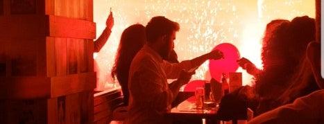 Cuba Cafe & Bar is one of Lugares favoritos de Zeynep.
