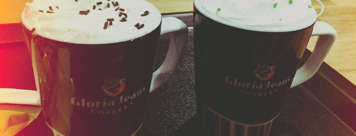 Gloria Jean's Coffees is one of Lugares favoritos de Meltem.