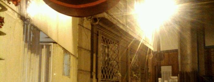 Malas Artes is one of Los 100 rincones imperdibles de Santiago.