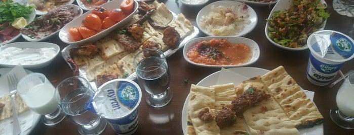 Çelikler Restaurant is one of Lugares favoritos de Emine.