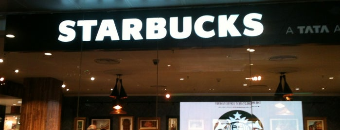 Starbucks is one of Adllogan 님이 저장한 장소.