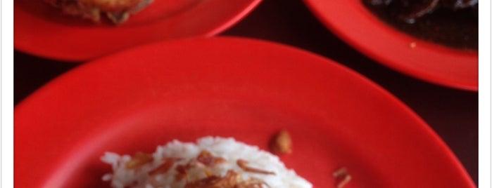 Warung Betawi Asli H. Namin Amid is one of Tempat yang Disukai Arie.