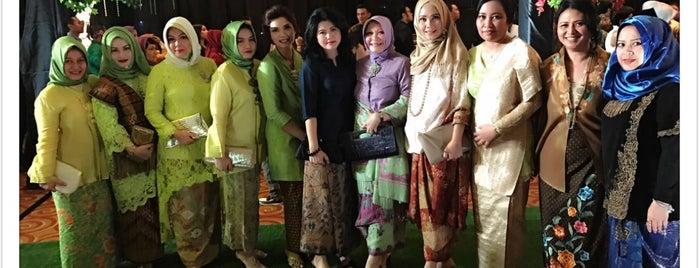 Hotel Borobudur Jakarta is one of สถานที่ที่ Arie ถูกใจ.