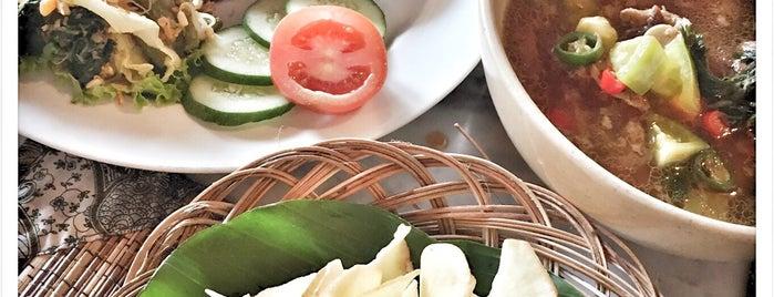 Sekar Kedhaton Restaurant is one of Locais curtidos por Arie.