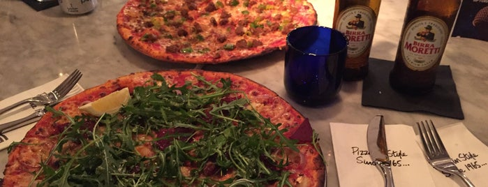 Jazz@PizzaExpress is one of Jono : понравившиеся места.